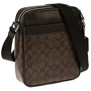 COACH FLIGHT SHOULDER BAG IN SIGNATURE